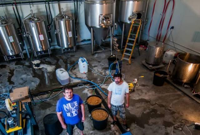 Brasserie de Serre Ponçon, artisan brasseur de bière des hautes-alpes de chez PACAA Panier, Pole Alpin des Compétences Artisanales et Agricoles